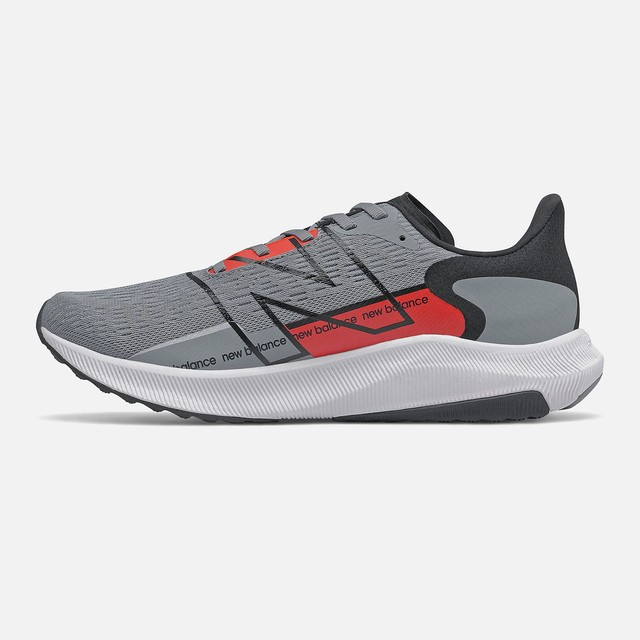Tenis New Balance Fuelcell Propel V2