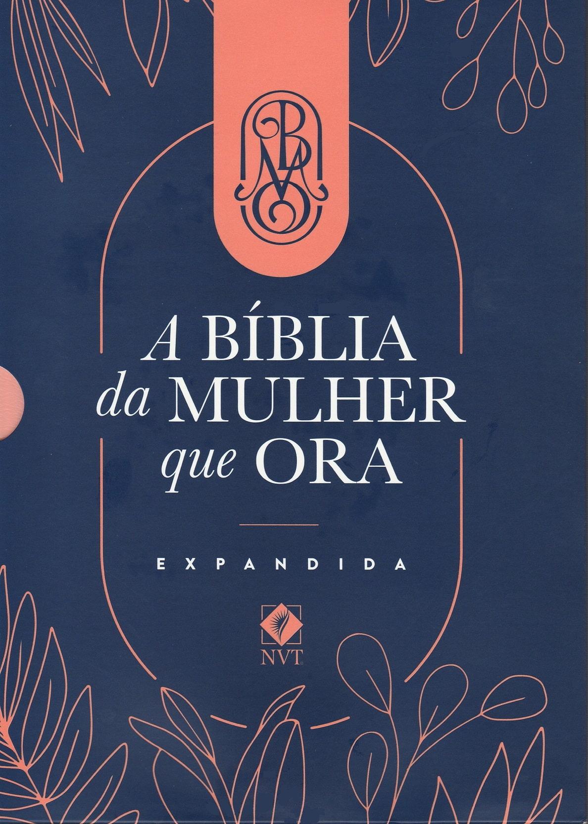 Bíblia NVT - A Bíblia da Mulher que Ora - Salmão - Expandida