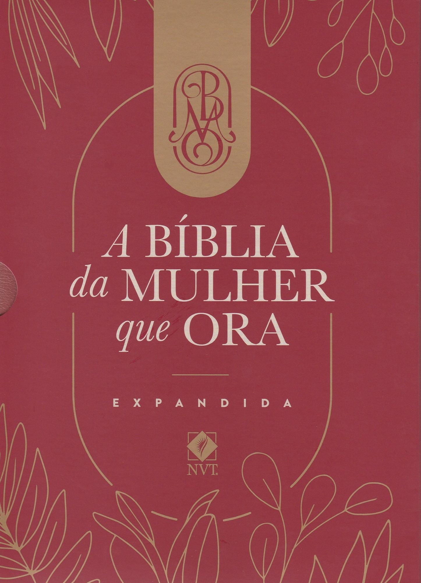 Bíblia NVT - A Bíblia da Mulher que Ora - Vinho - Expandida