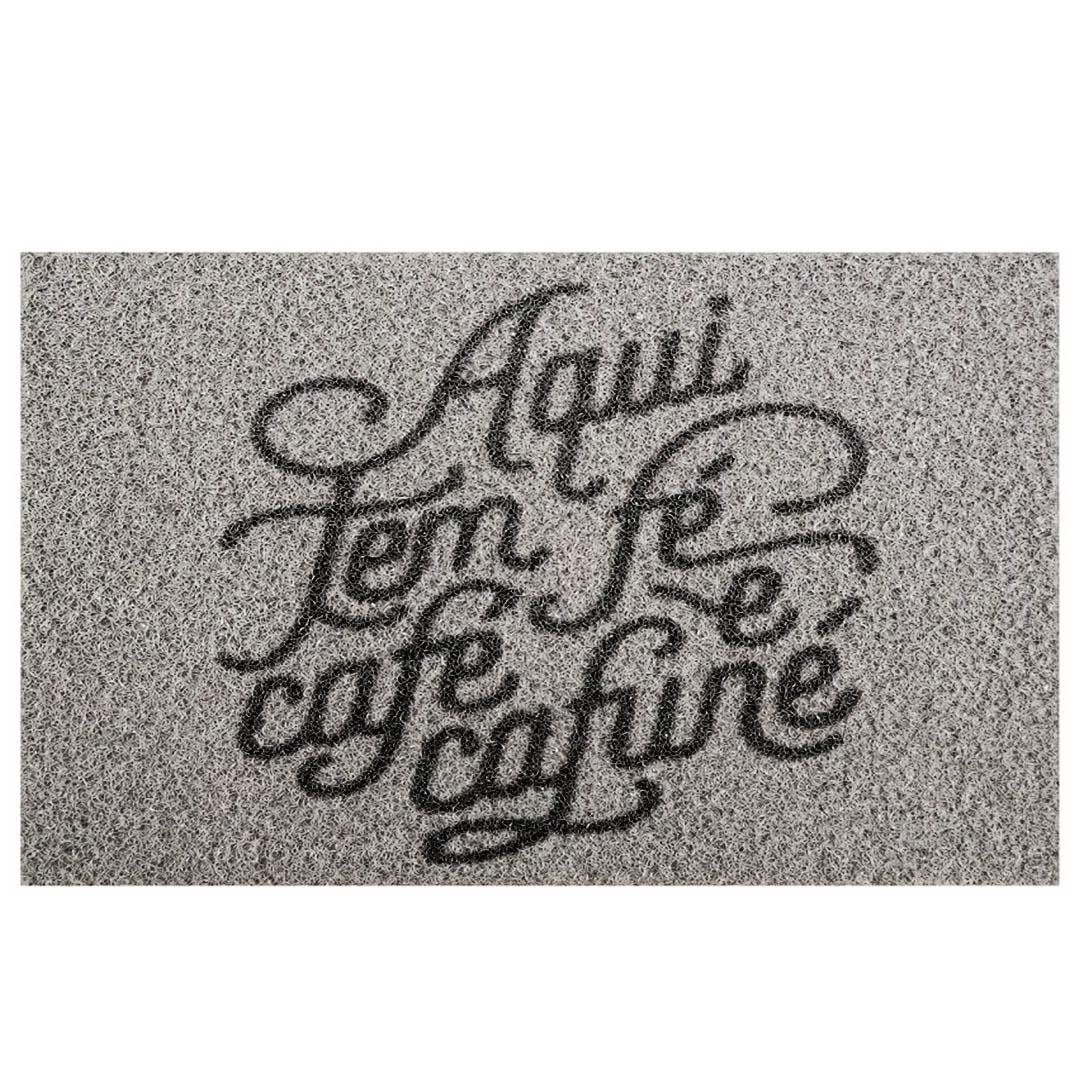 Tapete Capacho Aqui Tem Fé Café E Cafuné