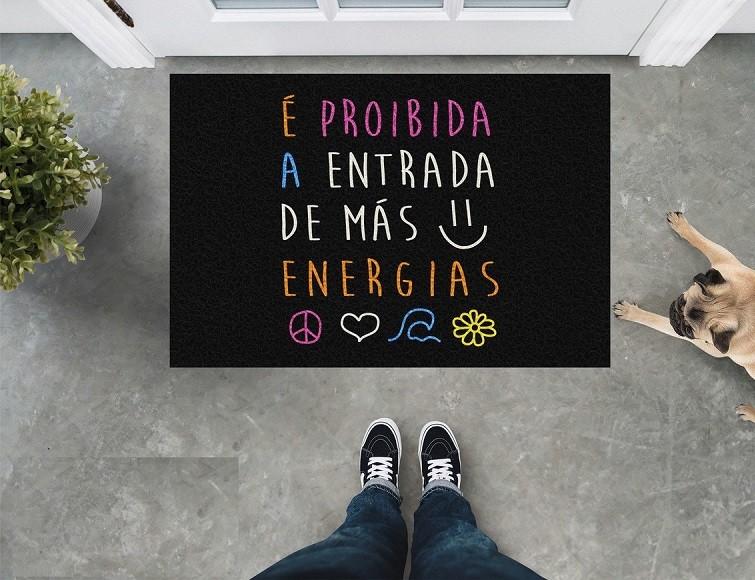 Tapete Capacho 'É Proibida A Entrada De Energias Negativas'