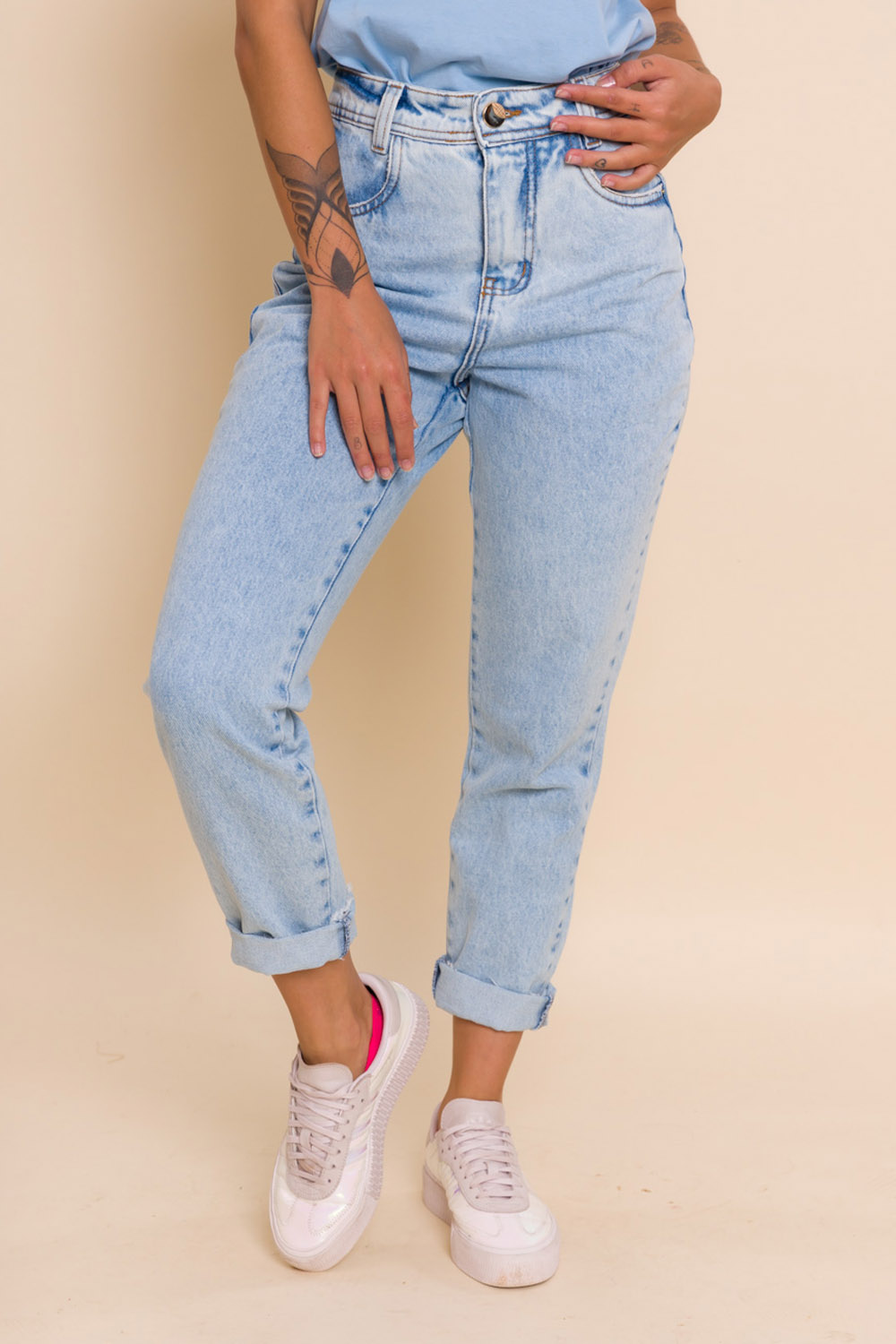 CALÇA JEANS CROPPED MOM AMY