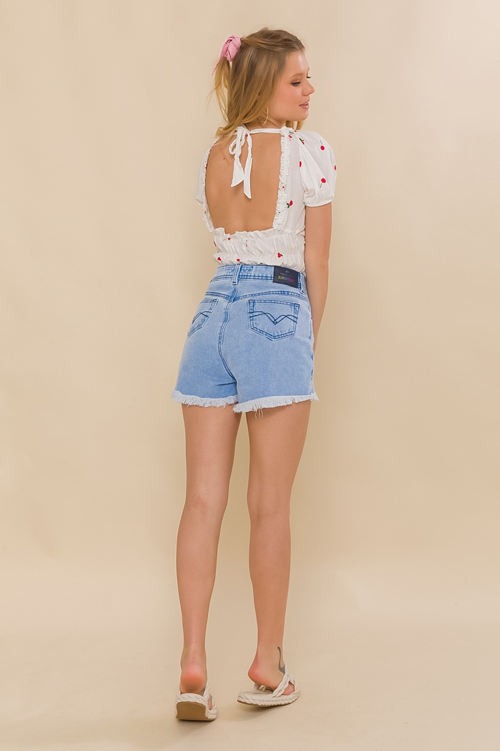 SHORTS JEANS HOT PANT PAOLA - JEANS CLARO