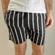 Shorts Desert Preto Listras