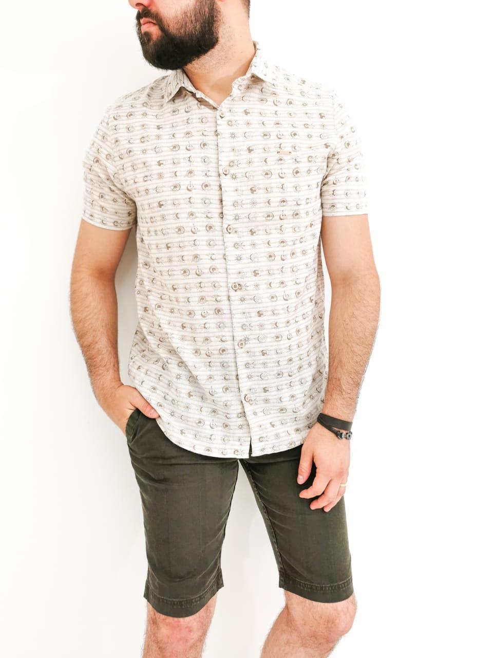 Camisa Sakapraia Bege Estampada