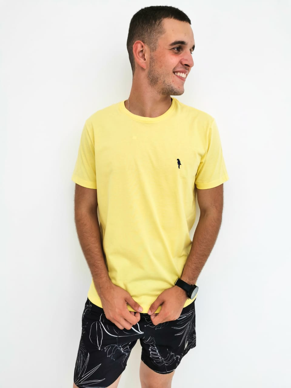 Camiseta Arandom Básica Amarelo