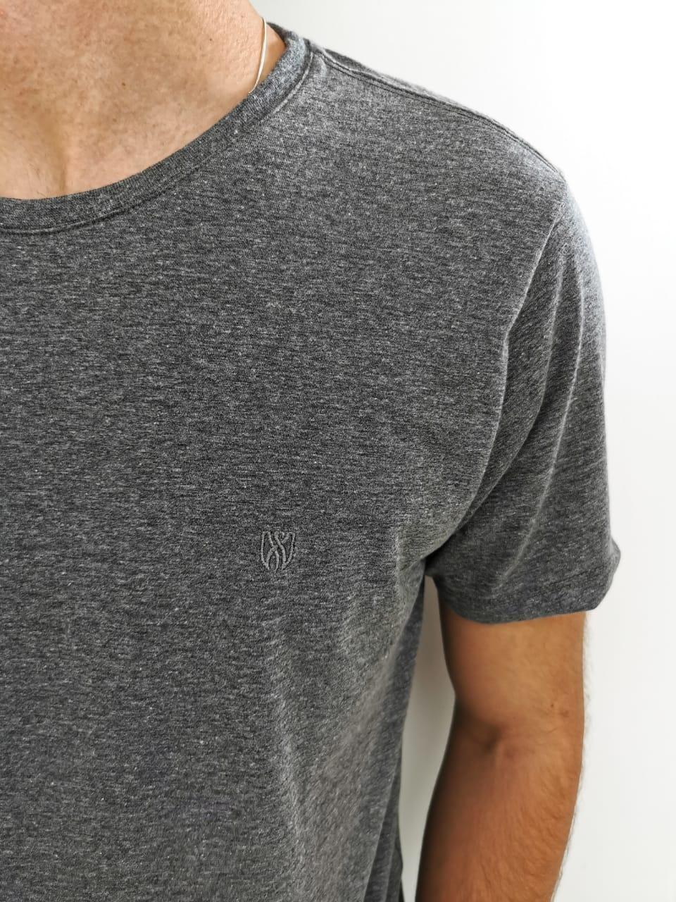 Camiseta Básica Lozemar Cinza Mescla Escura