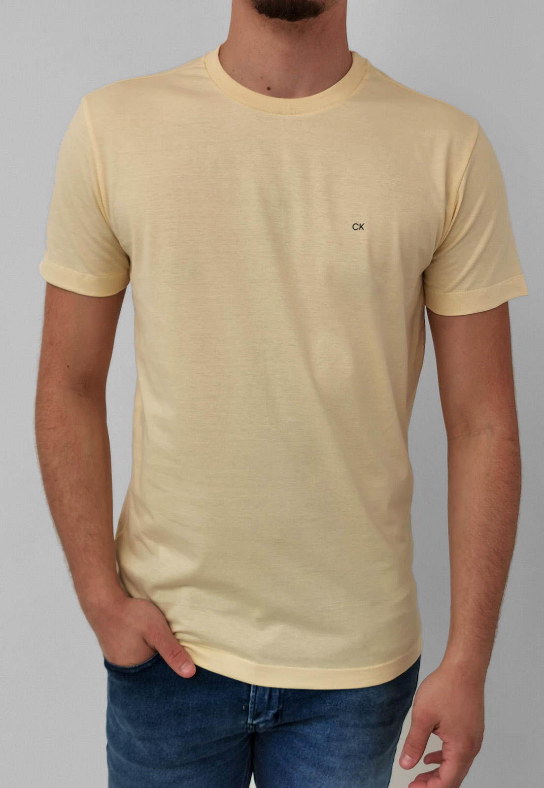 Camiseta Calvin Klein Amarelo Básica Logo