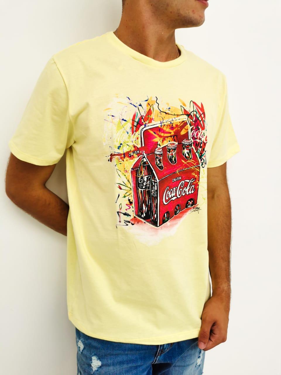 Camiseta Coca-Cola Amarelo Drink