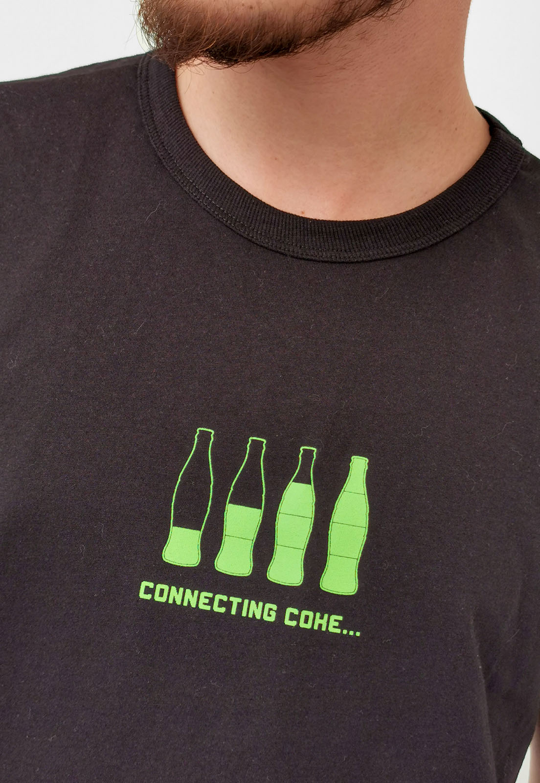 Camiseta Coca-Cola Preto Connecting