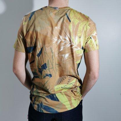 Camiseta Coca-Cola Terra Floral com Bolso
