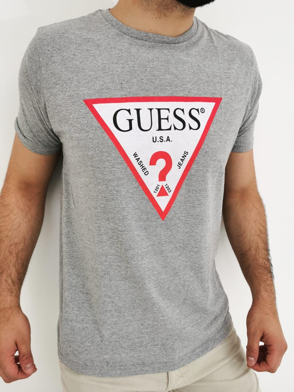 Camiseta Guess Cinza