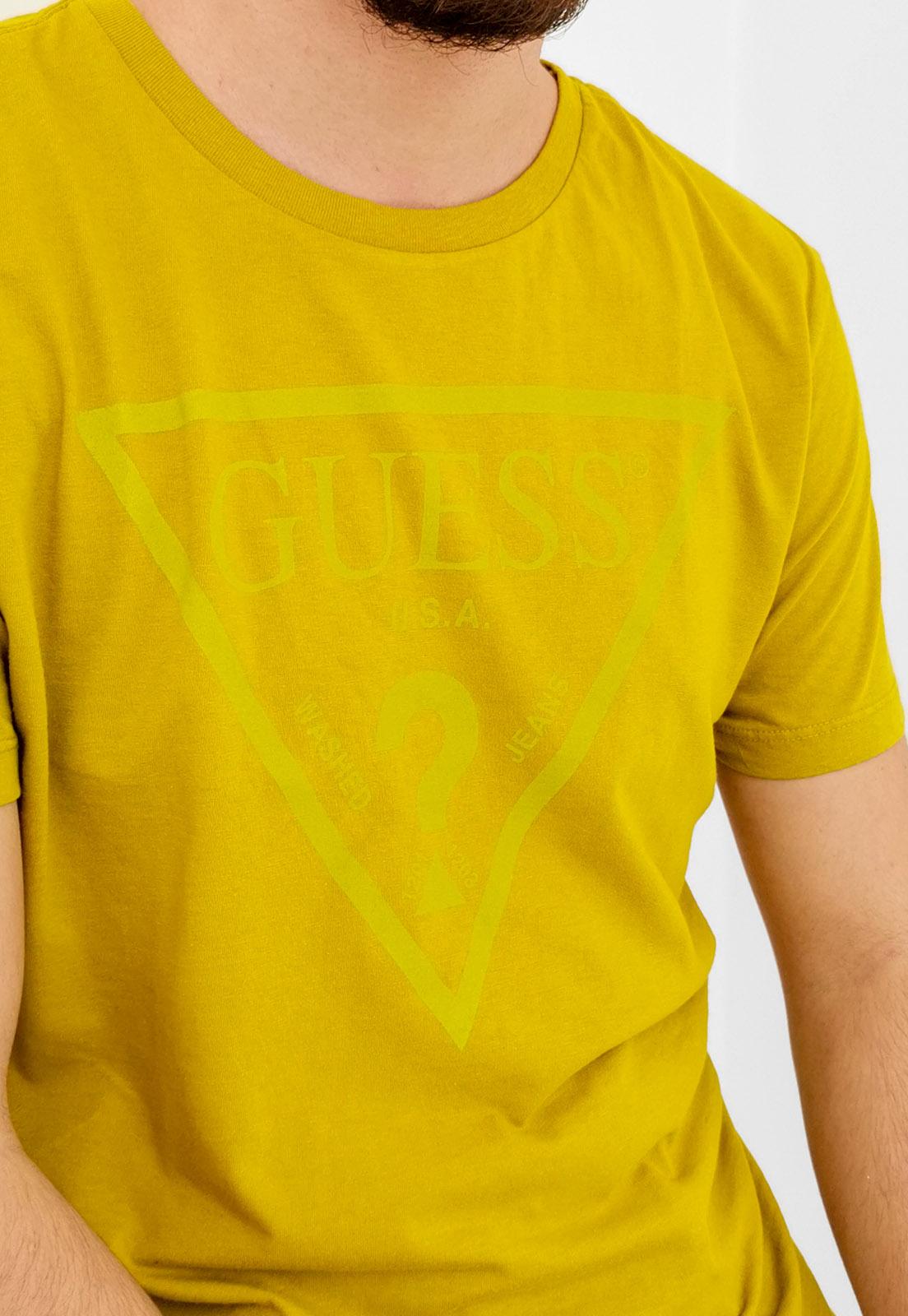 Camiseta Guess Logo Triangulo Mostarda