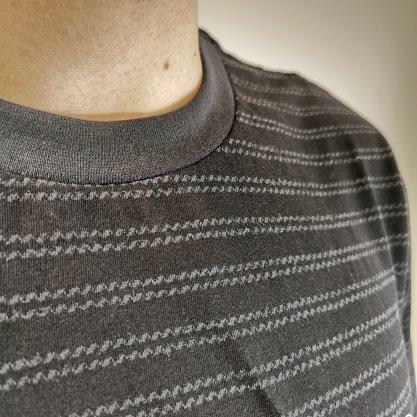 Camiseta Nicoboco Preta com Detalhes Listrados