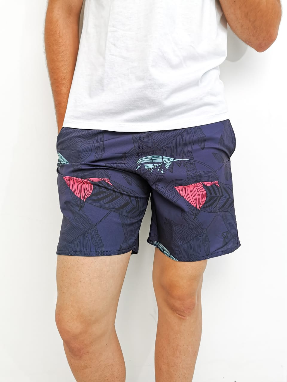 Shorts Wolke Azul Marinho Floral