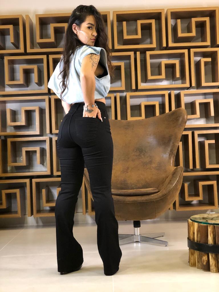 Calça Modeladora Flare Modeladora Preta Onix