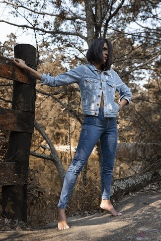 Jaqueta Jeans Destroyed Esmeralda
