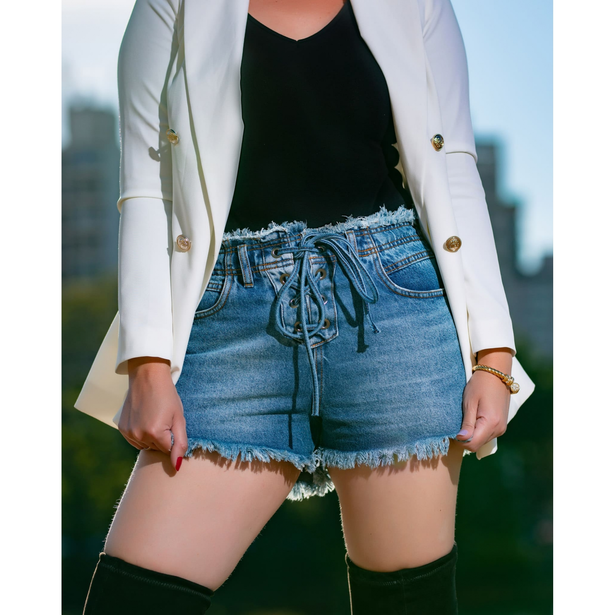 Short Jeans Feminino Ilhós Cianita