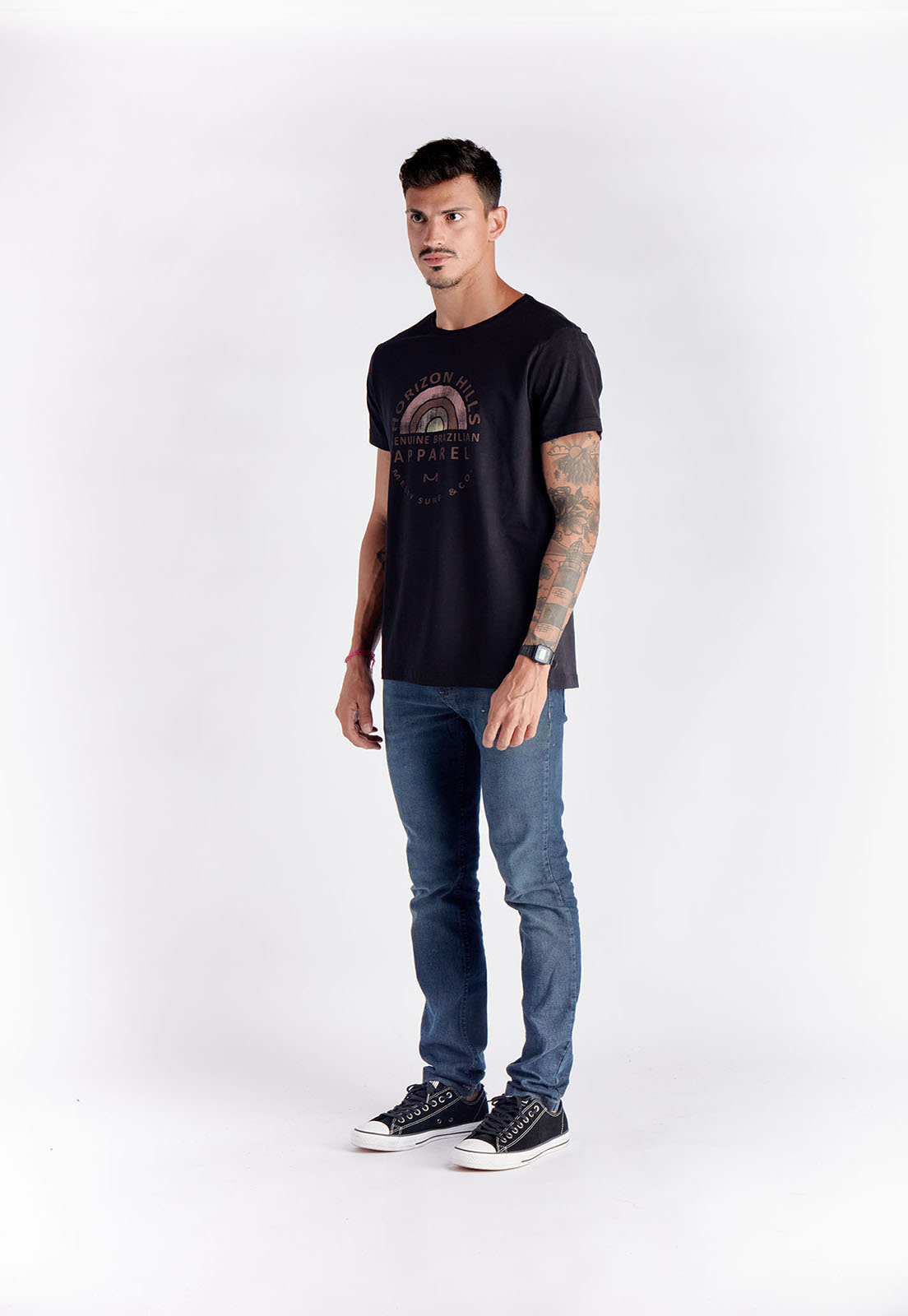 T-shirt Rainbow Hills Preto Melty  - melty surf & Co.