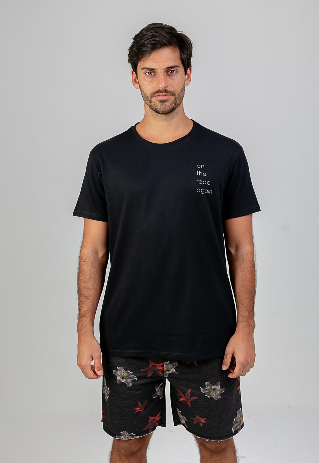 T-shirt On the road preto melty  - melty surf & Co.