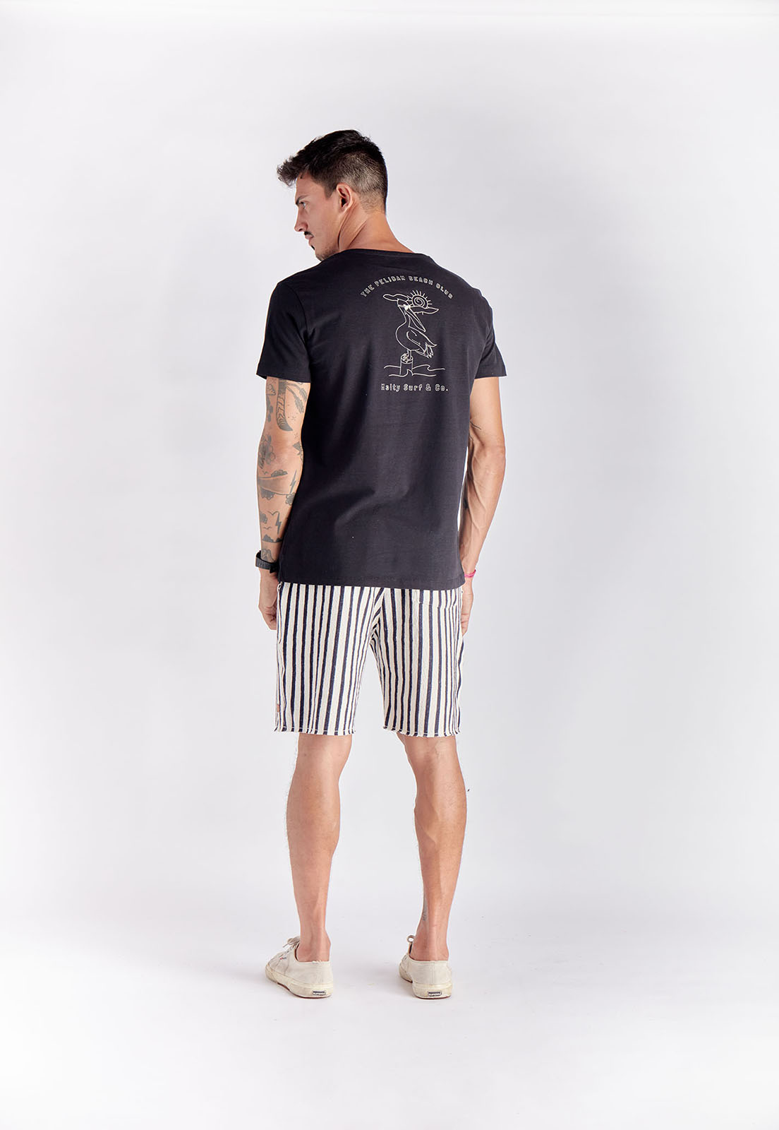 T-shirt Pelican Beach Preto Melty  - melty surf & Co.