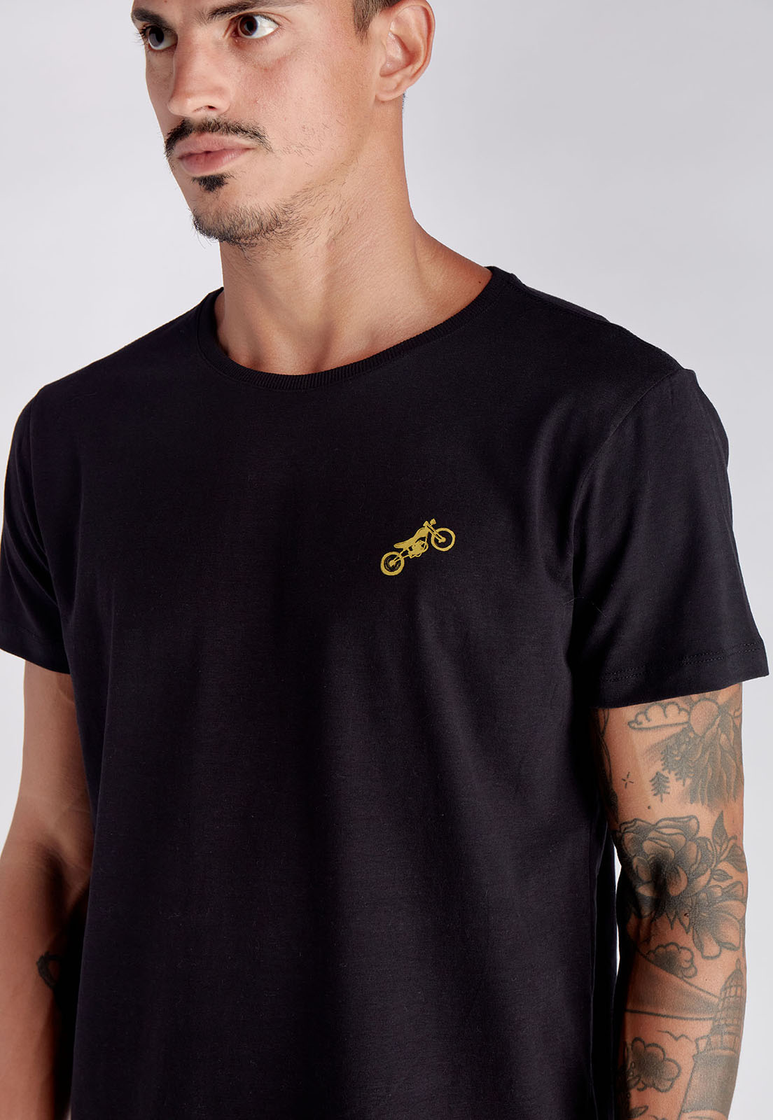 T-shirt Wave Hunter Preto Melty  - melty surf & Co.
