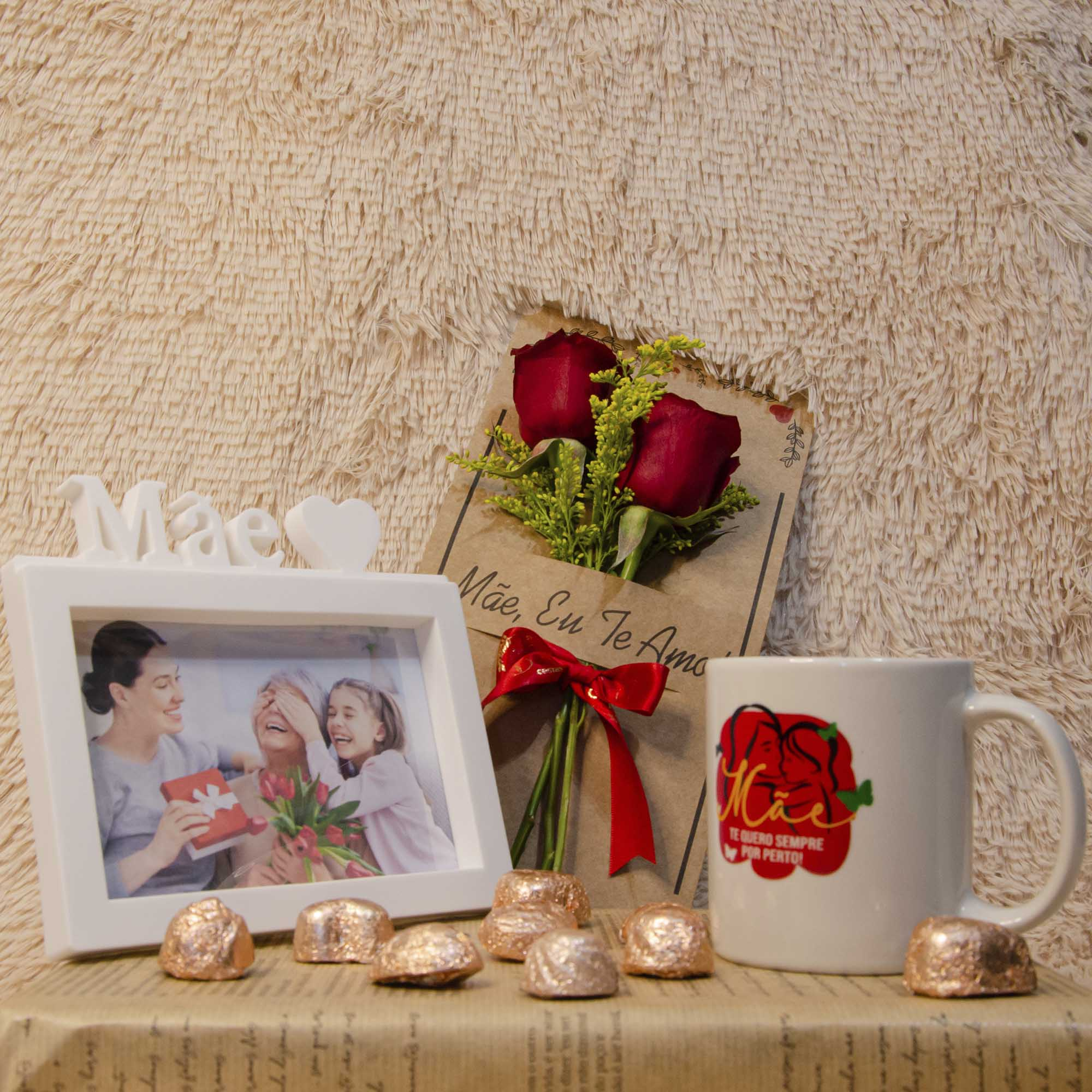 Kit Dia das Mães - Cartão Floral, Porta Retrato e Caneca com Chocolate