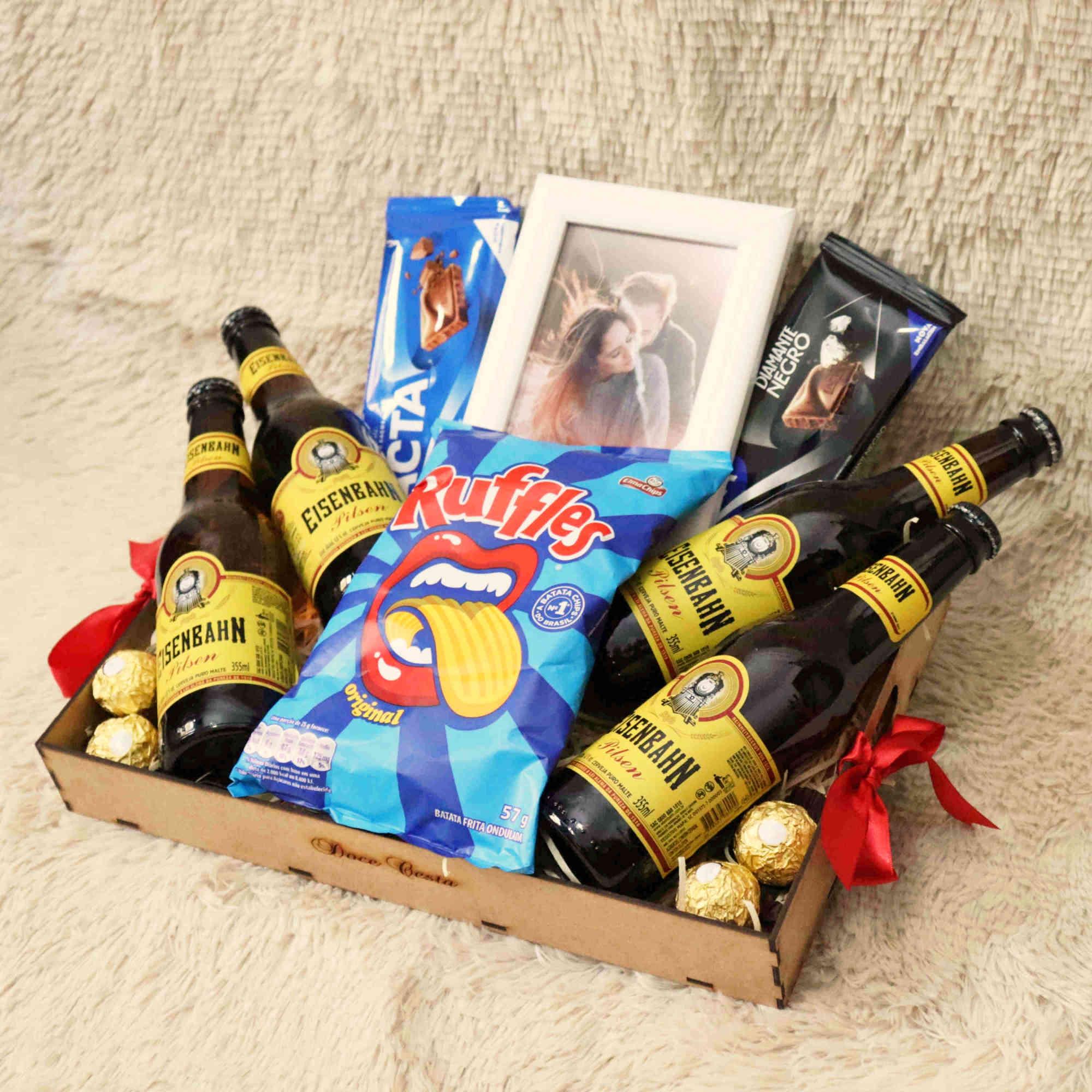 Bandeja de Cervejas, Chocolates e Petisco