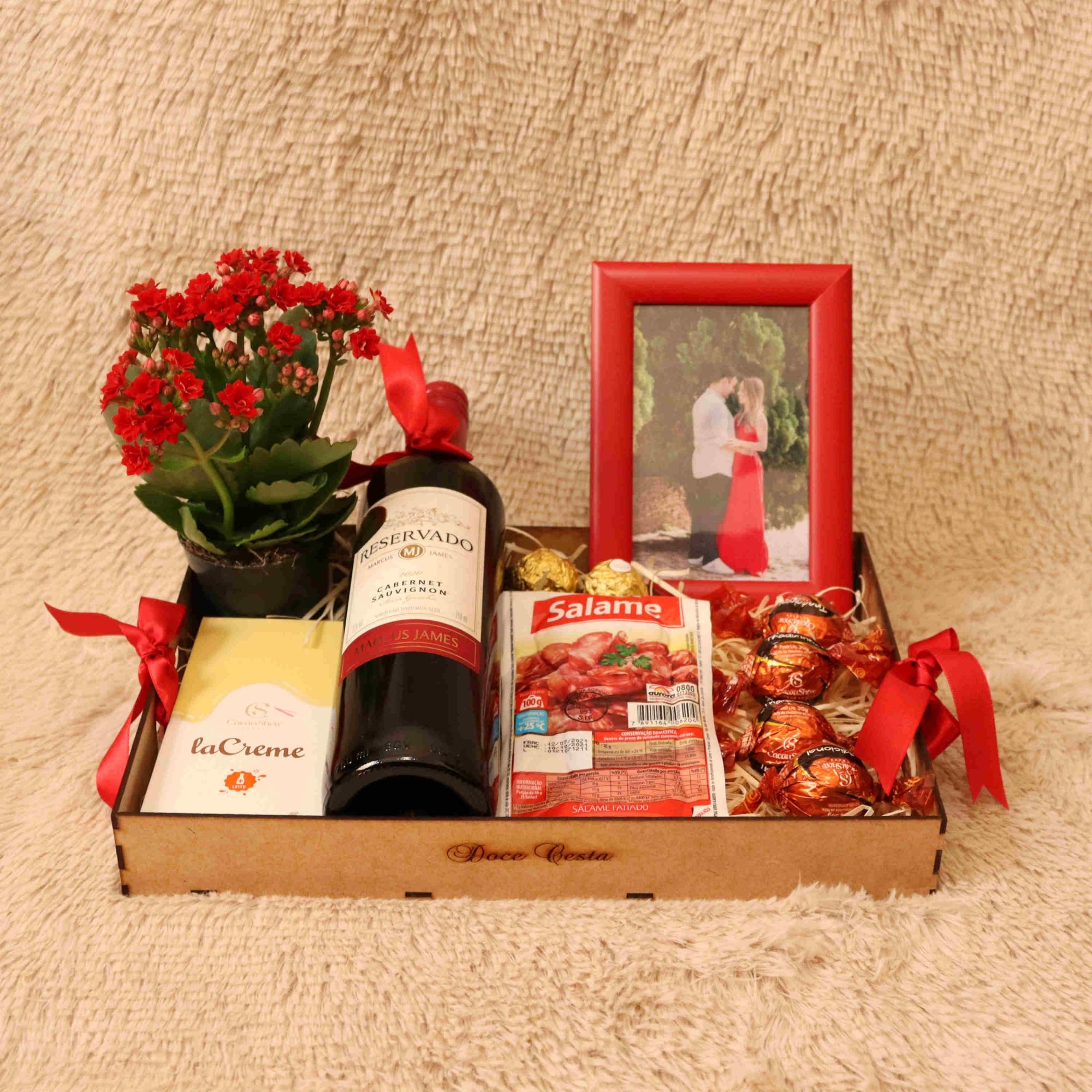 Bandeja de Vinho, Acompanhamento e Chocolates