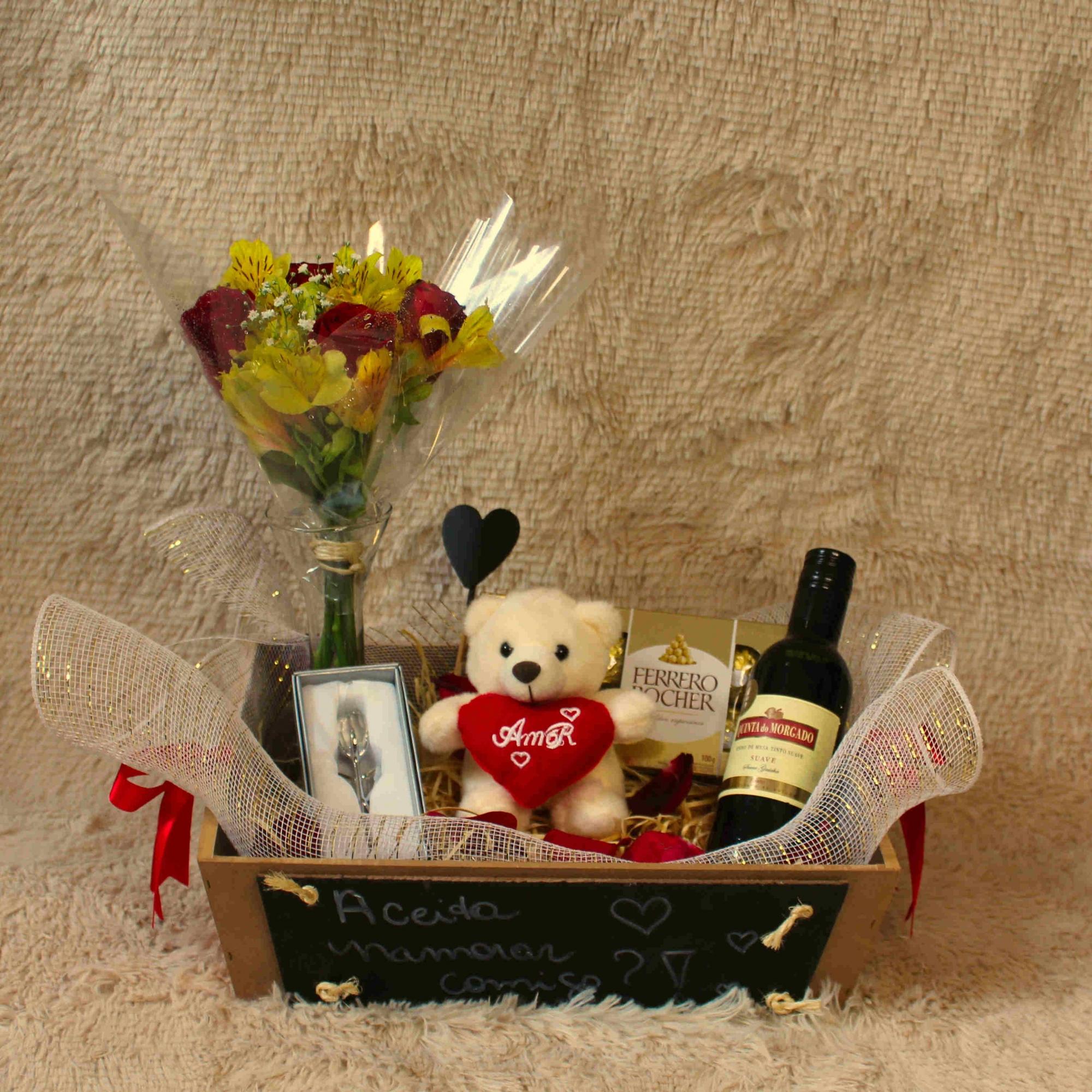 Bandeja Romântica de Lousa com arranjo Floral