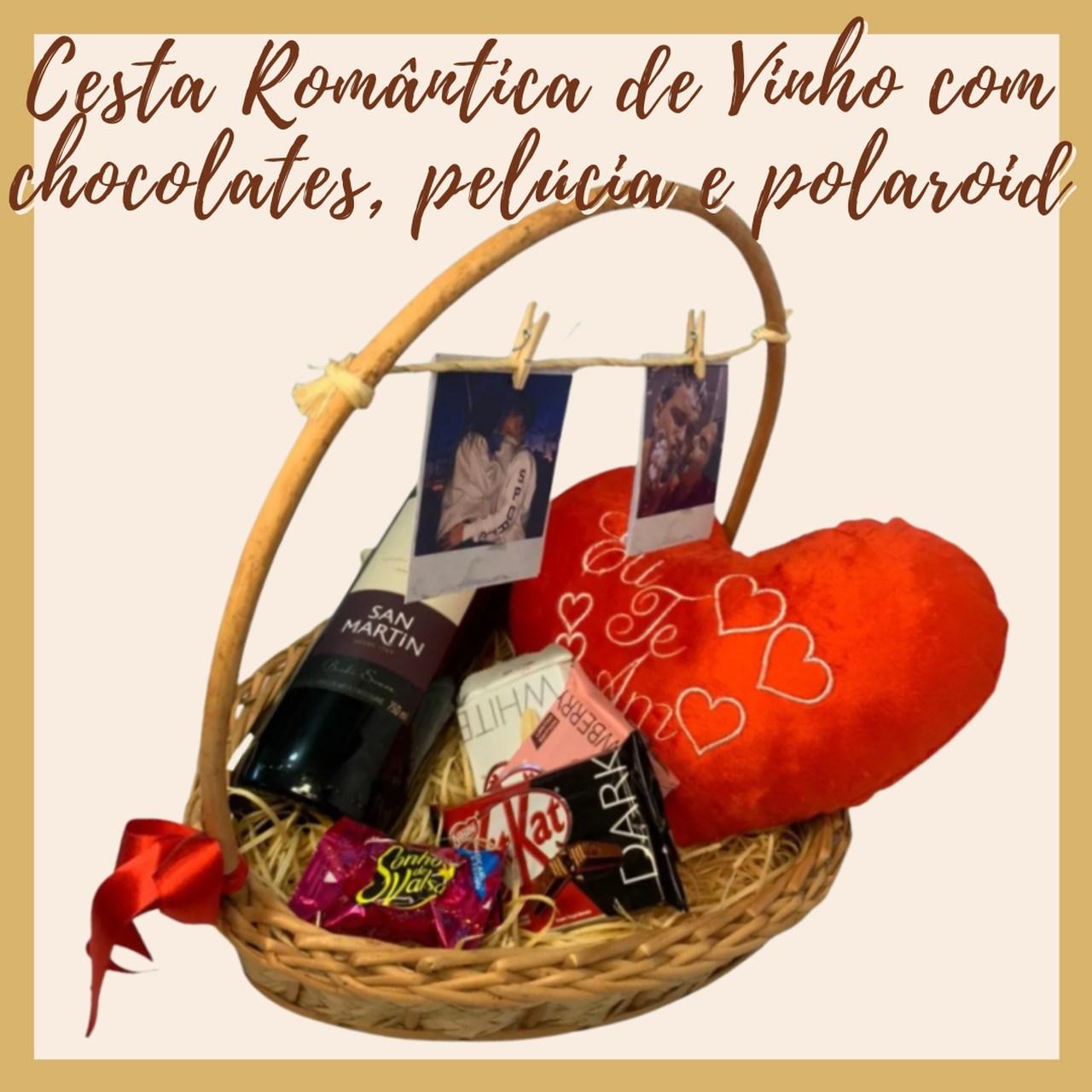 Cesta Romântica de Vinho com chocolates, pelúcia e polaroid