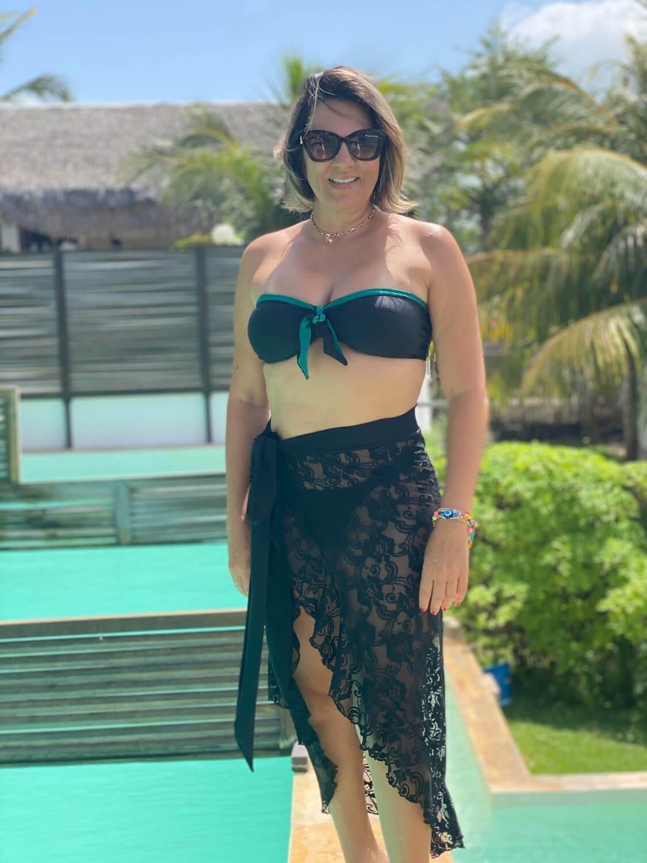 Look Completo: Biquíni Tomara que Caia  Resort + Saída Pareô Renda
