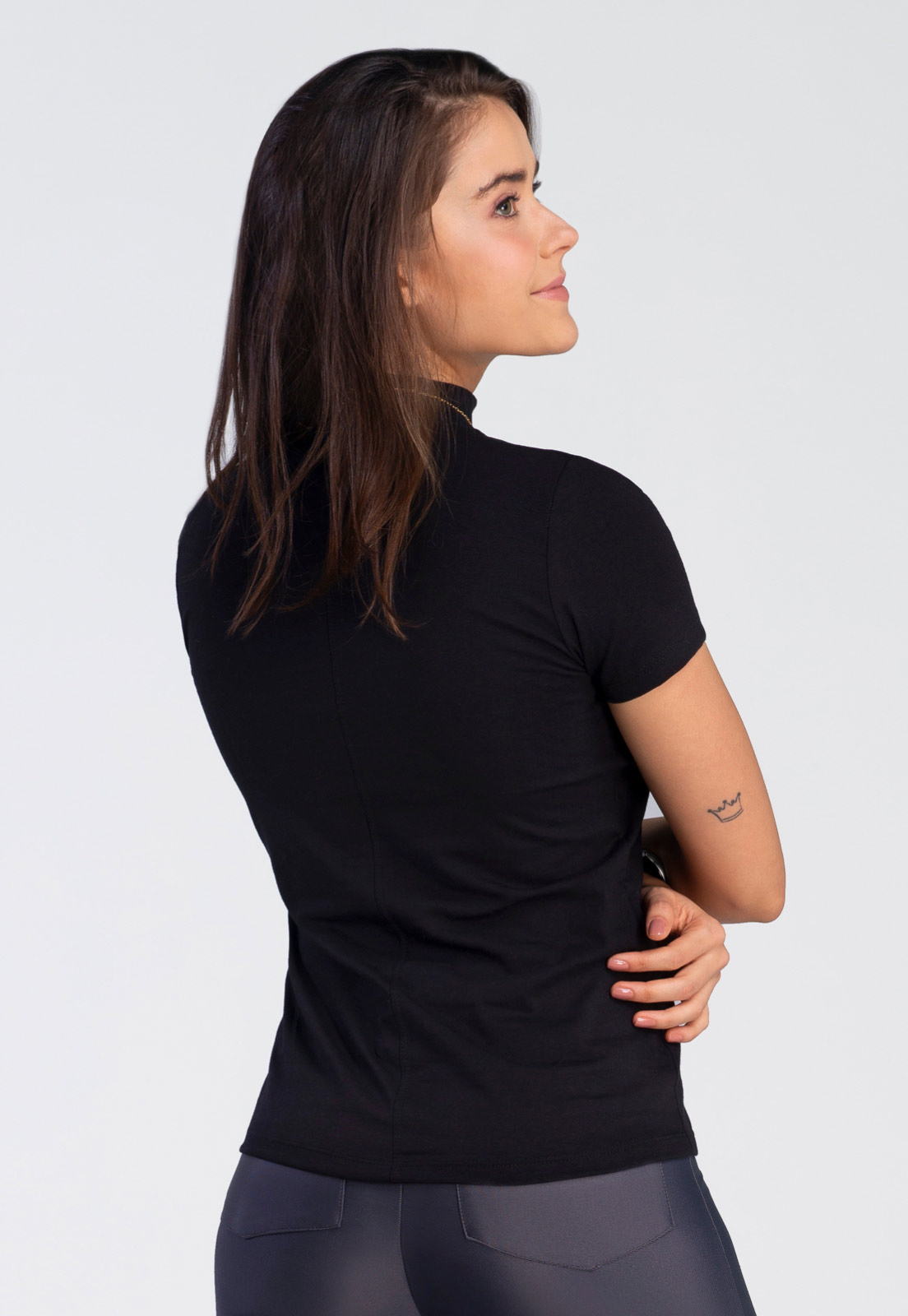 Kit c/ 2 T-shirts Ana - Branca e Preta