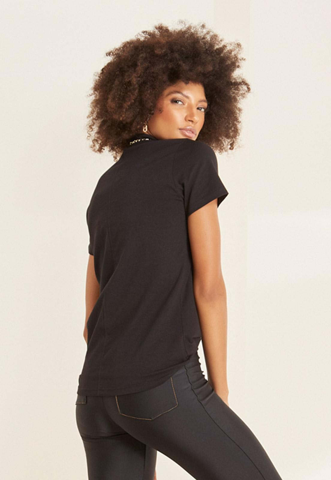 T-shirt Ana + Calça Basic Prada