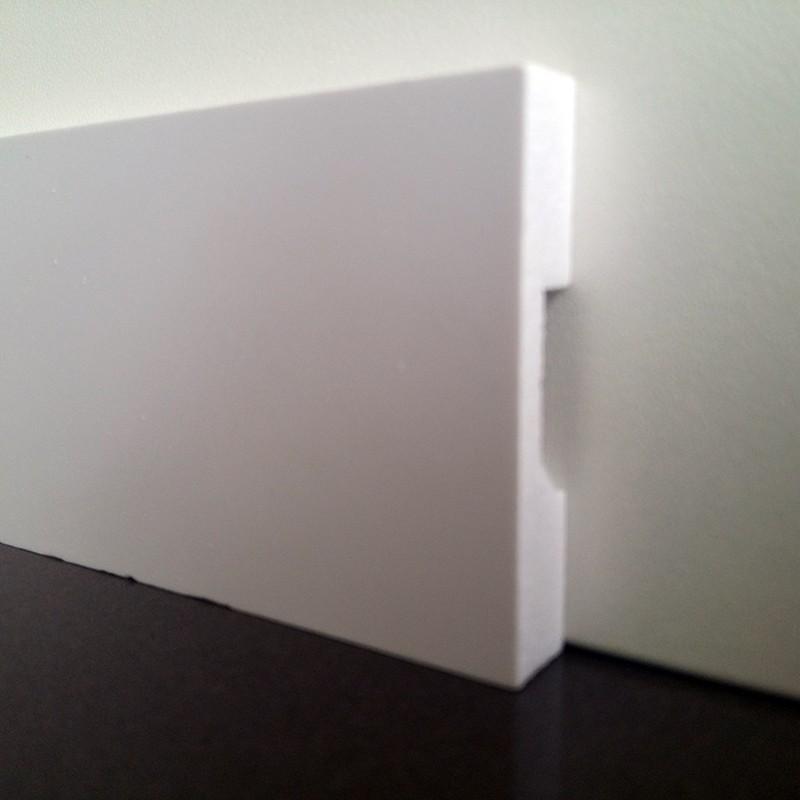 Moldura/Rodapé de Poliestireno Liso - Branco - 5cm de altura  (5x1x240cm)