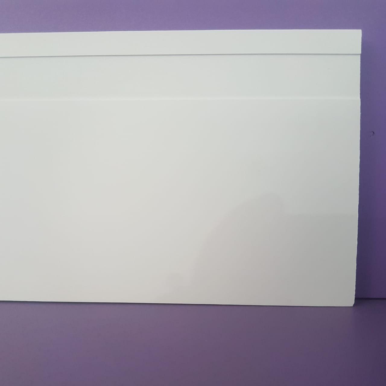 Rodapé de Poliestireno Frisado - Branco - 12cm de altura  (12x1x240cm)