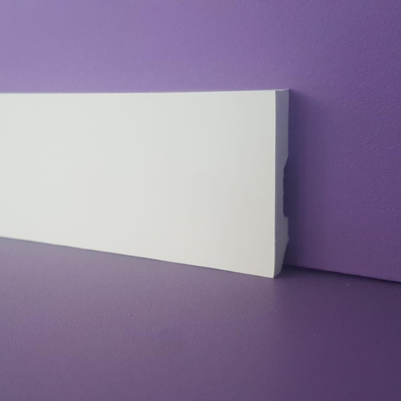 Rodapé de Poliestireno Liso - Branco - 5cm de altura  (5x1x240cm)