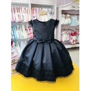 Vestido Petit Cherie preto com detalhes de brilho no busto