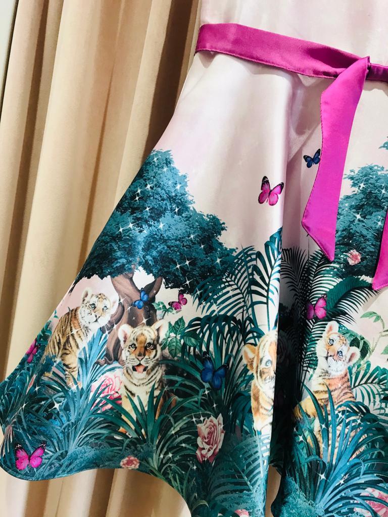 Vestido Petit Cherie Barrado Estampado Floresta