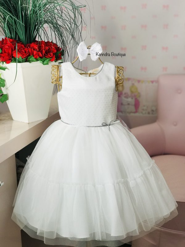 Vestido Petit Cherie Branco de tule com detalhes prata no busto