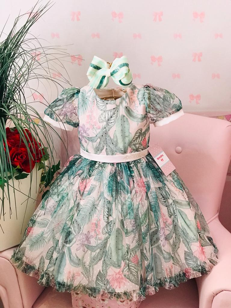 Vestido Petit Cherie todo de tule estampado verde e rosa