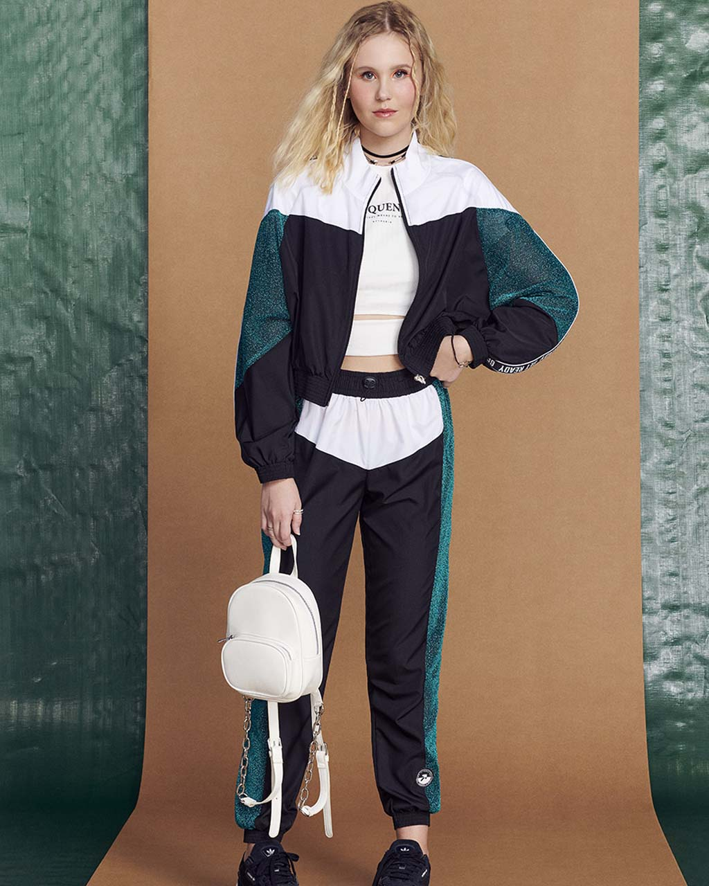 Calça Teen Preta com Detalhes Branco e Lurex Verde Authoria