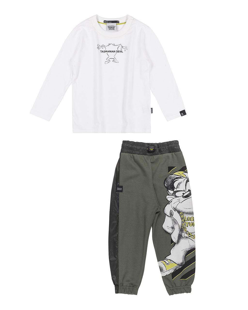 Conjunto First Camiseta Off e Calça Moletom Verde Militar Tasmânia Youccie