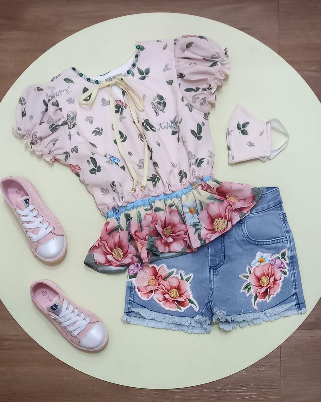 Conjunto Infantil Blusa Floral com Decote Bordado e Shorts Jeans Adesivo Termo Colante kukixo