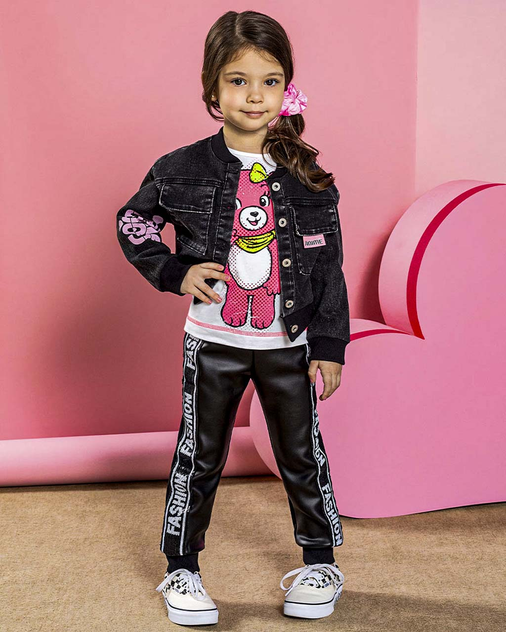 Jaqueta Infantil Jeans Preta com Carimbo Rosa Animê