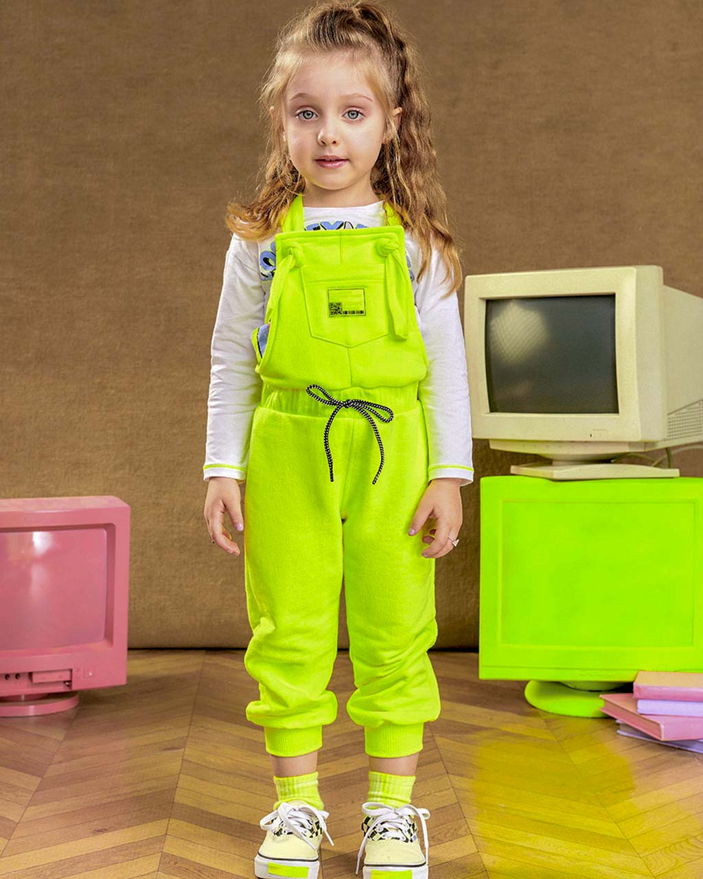 Jardineira Infantil Moleton Amarelo Neon Animê