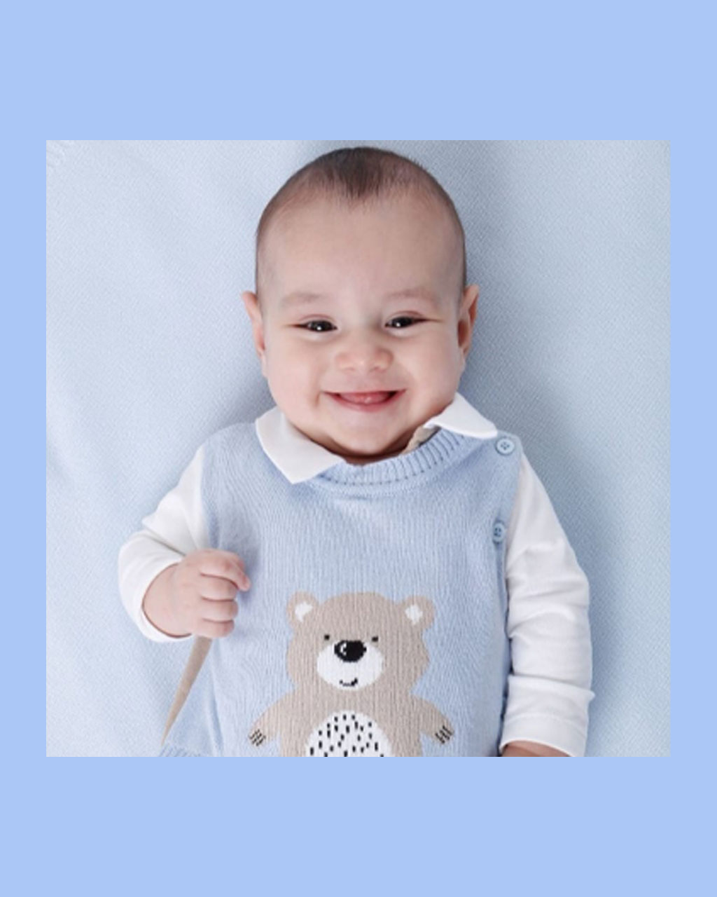 Saída Maternidade Masculino com Colete Azul de Ursinho Noruega