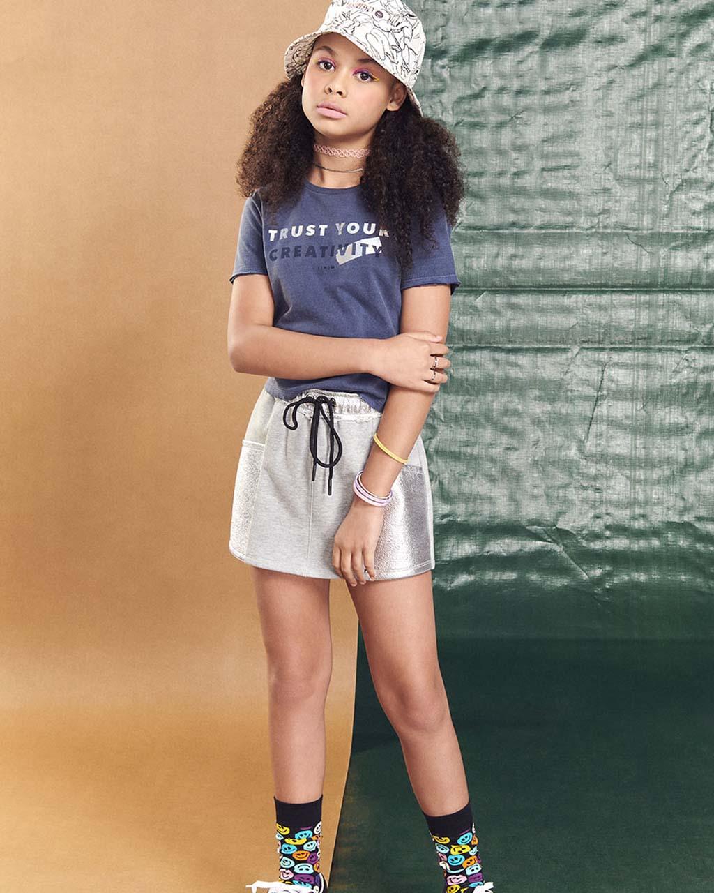 Shorts Saia Teen Moletom Com Bolsa e Cós Prata I Am