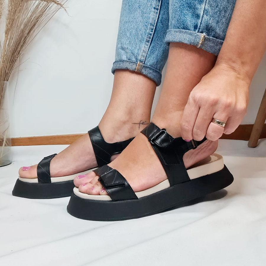 Papete Velcro Preta e Off White