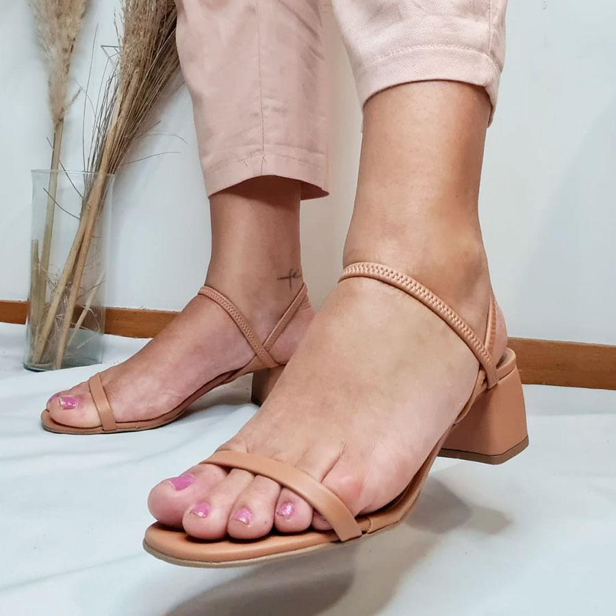 Sandália 2 em 1 com Elástico Bege